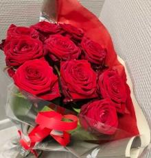 01-Fleuriste-grasse-roses-rouge-vue-2